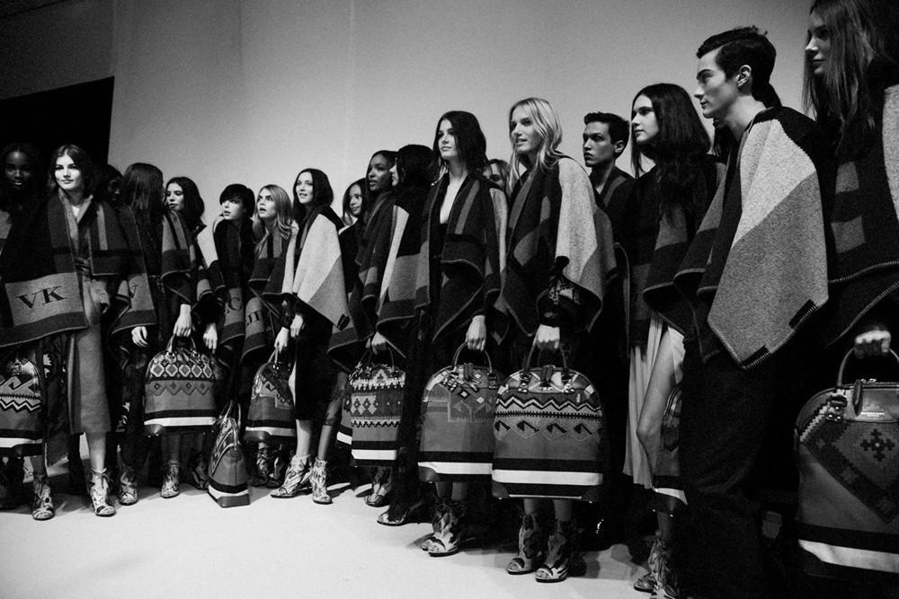 伦敦时装周:APP穿上身引领新潮流